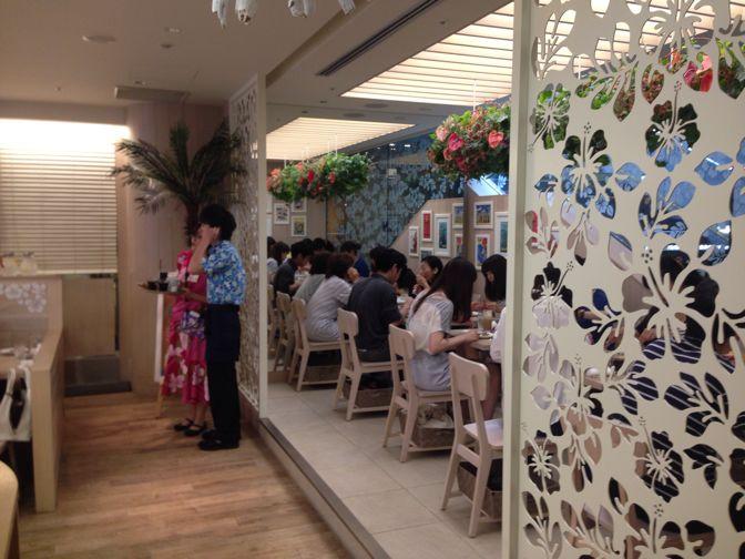 カフェ・カイラの店内