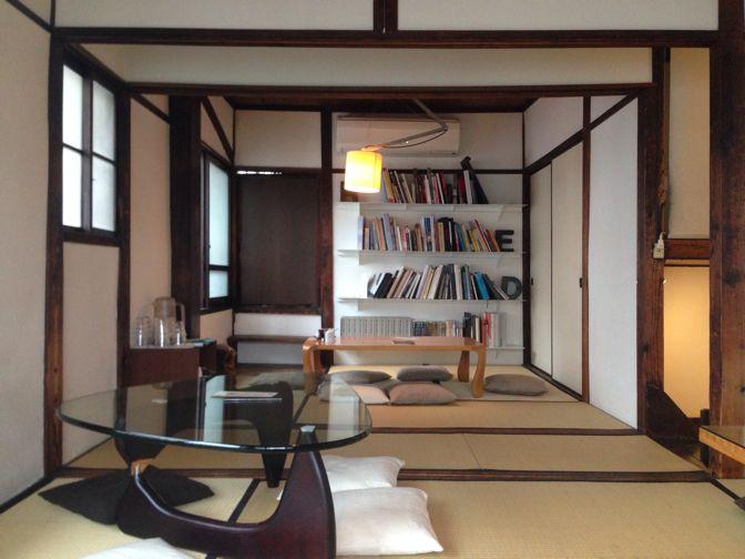 カヤバ珈琲の家具